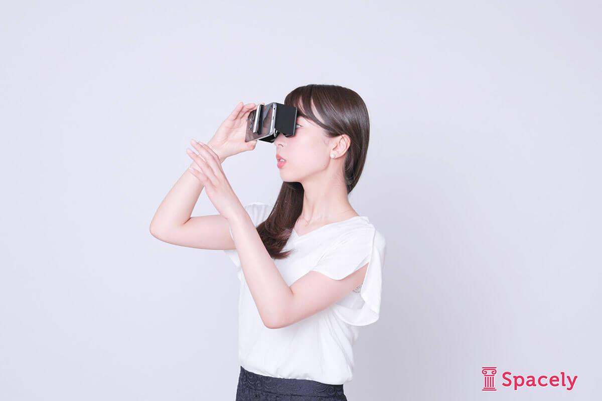 ノベルティや持ち運びに便利な手のひらサイズの小型VRグラスカセット
